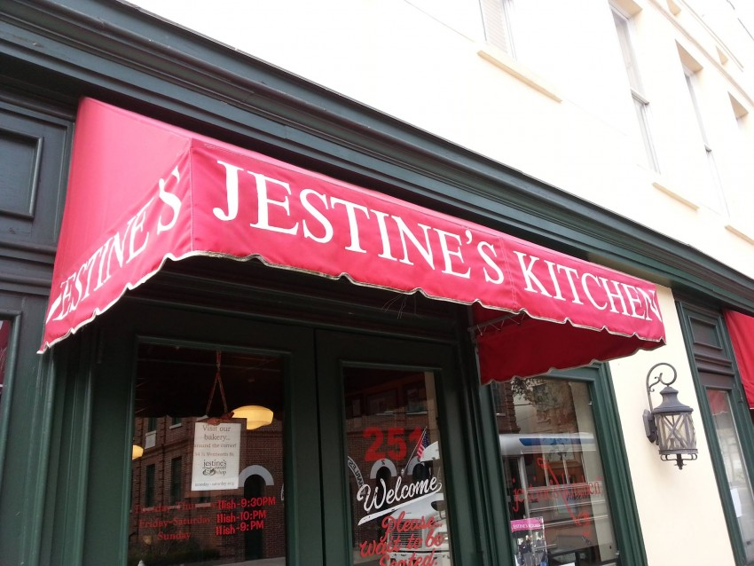 Jestine's Kitchen is one of the best places for Southern cuisine in the South.