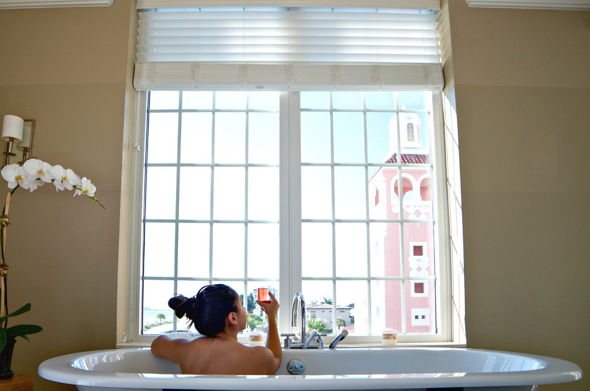 don cesar bathtub and view