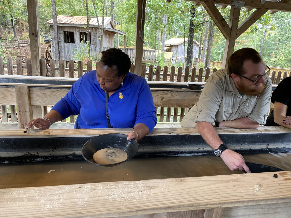 panning for gold at the Pine Mountain Gold Museum