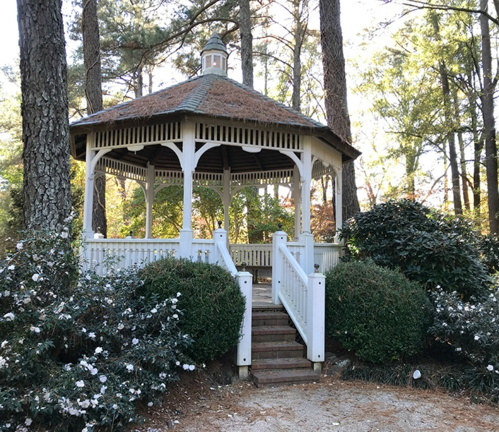 gazebo at botanical garden