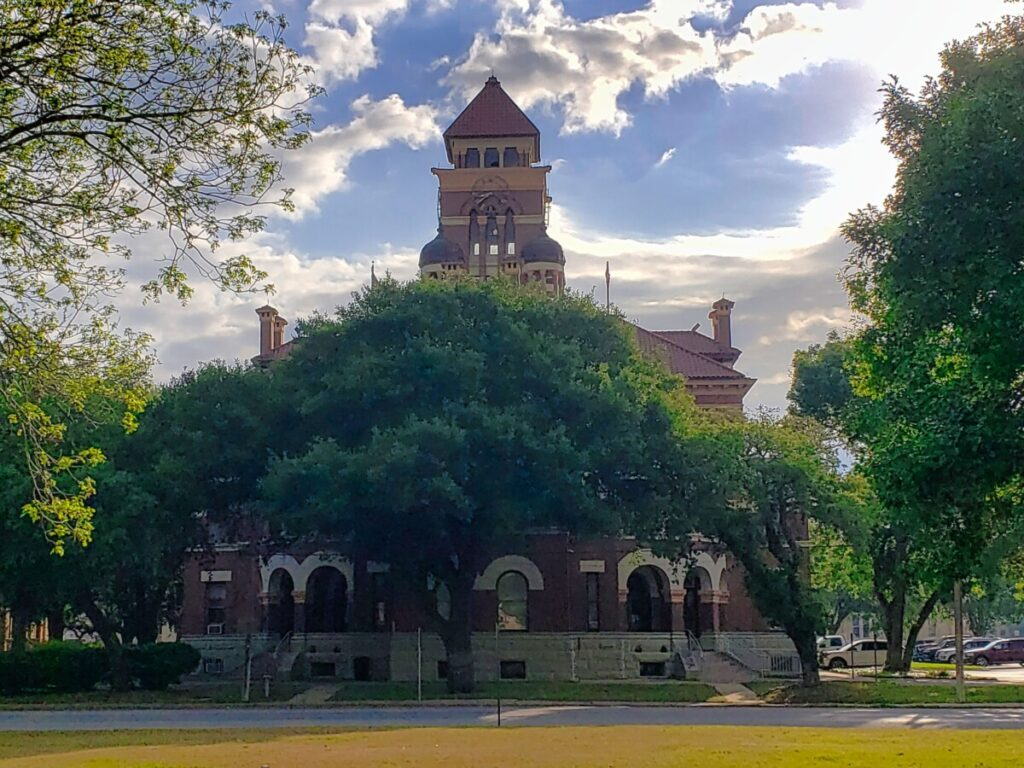 gonzales-county-texas-courthouse