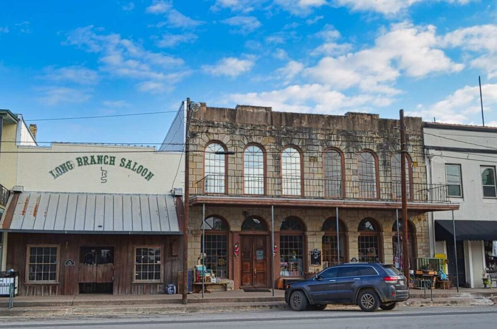 old-buildings-in-downtown-gonzales-tx
