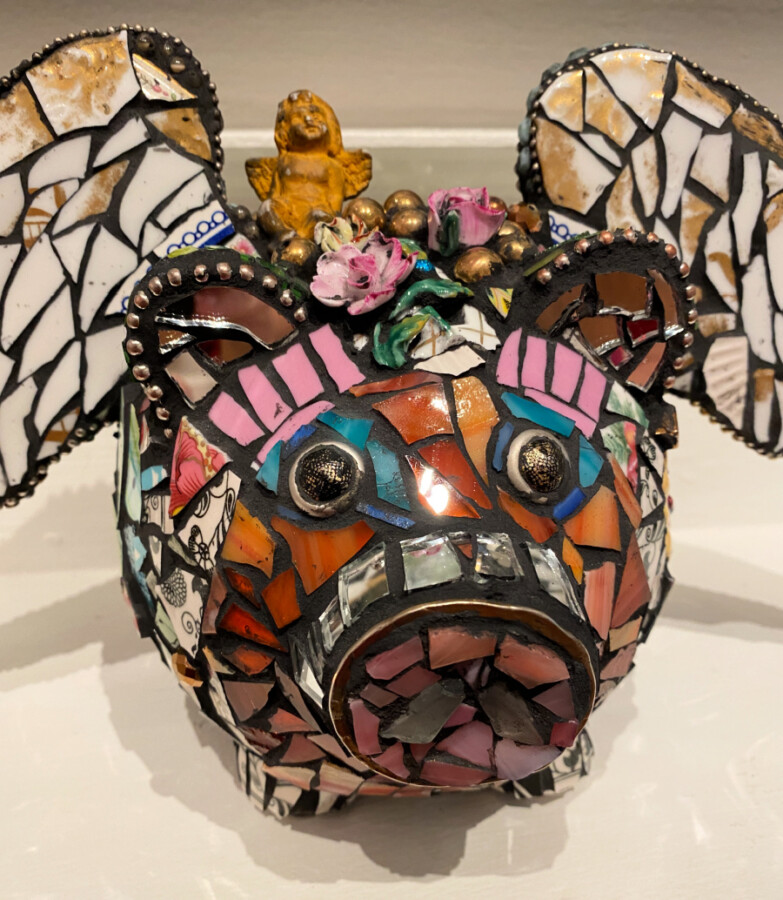 stained-glass-mosaic-pig